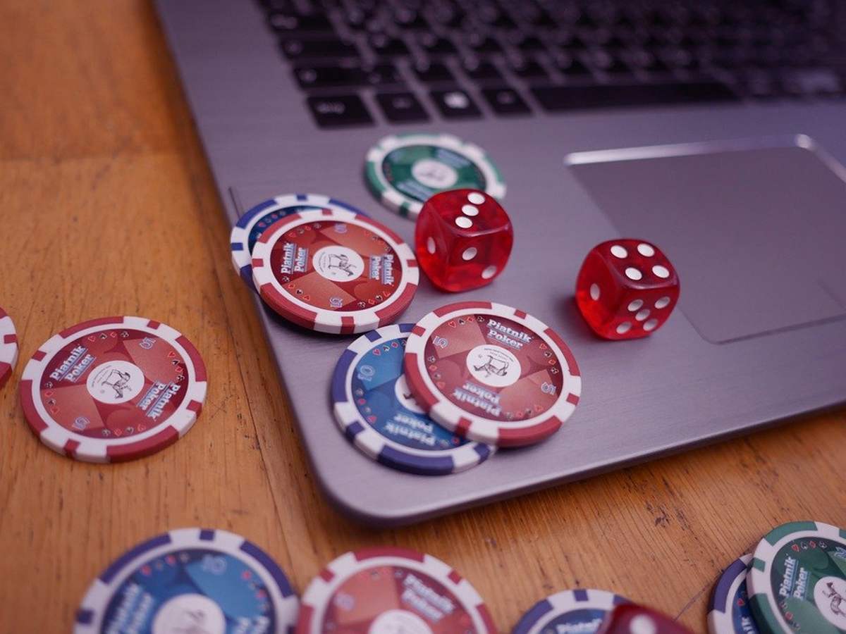 Why Should You Play Online Casino